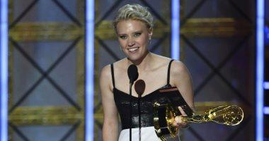 كيت ماكينون تفوز بجائزة Emmy  أفضل ممثلة كوميدية مساعدة
