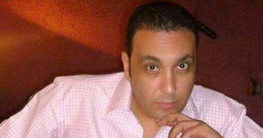 """بالفيديو.. الملحن أشرف سالم يخوض تجربة الغناء بـ""""مبروك على الإحساس"""""""