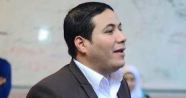 """أحمد الخطيب مؤسس حملة """"علشان تبنيها"""""""