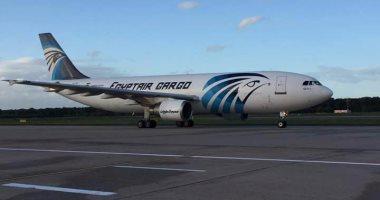 قائد رحلة مصر للطيران يهبط بسلام فى مطار بلجراد بعد انفجار  بإطارات الطائرة