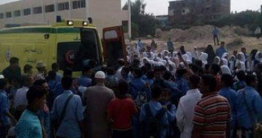 إصابة 15 عاملا فى حادث انقلاب ميكروباص بطريق بلبيس- العاشر