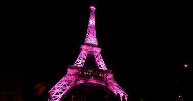 بالصور.. إضاءة برج إيفل باللون الوردى بمناسبة ذكرى حملة التوعية بسرطان الثدى