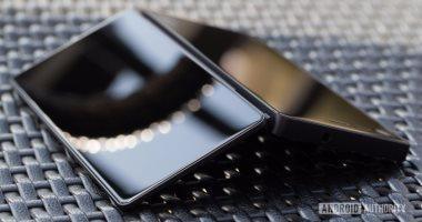 شركة ZTE تواصل تجاربها لتطوير هاتف ذكى جديد قابل للطى