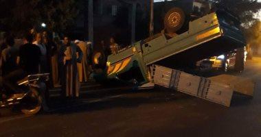 إصابة اثنين فى انفلاب سيارة نقل أسفل دائرى المعادى