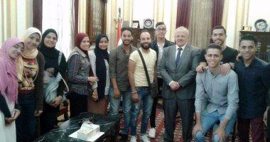 الخشت يستقبل كورال جامعة القاهرة الفائز بالمركز الثانى بأسبوع شباب الجامعات