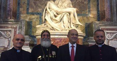 بابا الفاتيكان يبارك أيقونة رحلة العائلة المقدسة لمصر ويلتقى وزير السياحة