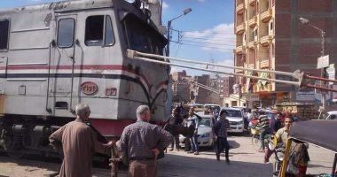 السكة الحديد: تأخر قطارين لعطل سيارة نقل على مزلقان بخط القاهرة - المناشى