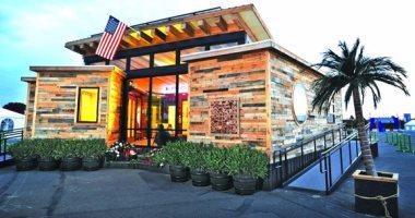 طلاب جامعة أمريكية يشيدون منزل صديق للبيئة يعمل بالطاقة الشمسية