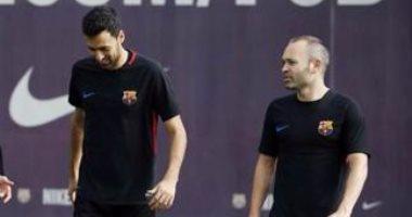 إنييستا يدعم برشلونة فى مواجهة أتلتيكو مدريد بالليجا