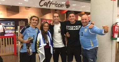 جريزمان يرتدى قميص منتخب أوروجواى من أجل عيون جودين