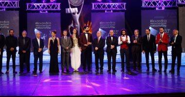 مسعد فودة رئيسا لاتحاد الفنانيين العرب بالتزكية