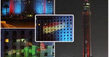 عروض ضوئية على واجهة مجمع التحرير وبرج القاهرة احتفالا بالتأهل للمونديال
