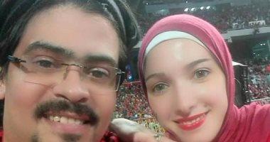 أحمد أصيب بالشلل بسبب السباحة وعمل تصميمات هندسية بإصبعين