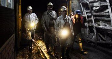 إنقاذ 1000 عامل علقوا 30 ساعة فى منجم جنوب أفريقيا -