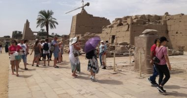 وصول 4 أفواج سياحية لمطار القاهرة لزيارة المعالم الأثرية والتاريخية