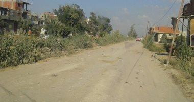 قارئ يطالب برصف طريق قرية بلقطر الشرقية فى البحيرة بعد حفر شركة المياه