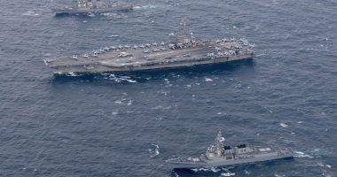 بالصور.. حاملة طائرات وبوارج أمريكية تصل لمياه شبه الجزيرة الكورية
