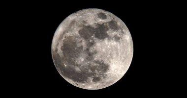 القمر يقترن بالمريخ فى ظاهرة مشاهدة بالعين المجردة بسماء الوطن العربى فجرًا