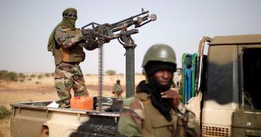 مقتل 3 عسكريين وإصابة 2 أخرين فى انفجار عبوة ناسفة شمال مالى
