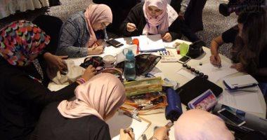 بالصور.. بدء مسابقة cairo winter fashion show وبهيج حسين: تصميمات العصر الفكتورى صعبة -