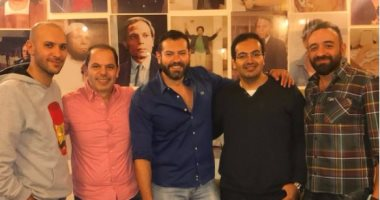 """عمرو يوسف ينشر صورة من تحضيرات مسلسله الجديد """"طايع"""" لعرضه فى رمضان"""