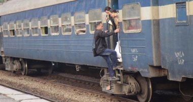 توقف قطارات خط المناشى بالبحيرة بعد سقوط أسلاك الضغط العالى على القضبان