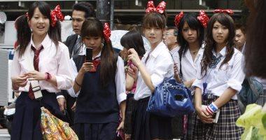 طالبة يابانية ترفع دعوى على مدرسة حكومية أجبرتها على صبغ شعرها