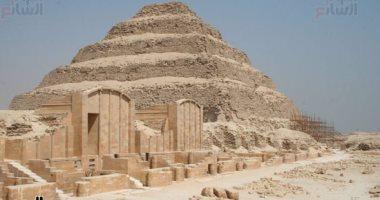مسلة وجدران أقدم عاصمة وورشة تحنيط.. أبرز اكتشافات سقارة الأثرية فى 2018
