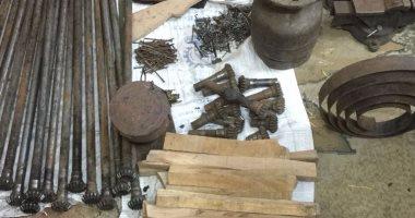 ضبط ورشة لتصنيع الأسلحة النارية يديرها 3 صيادين بالقوصية في أسيوط