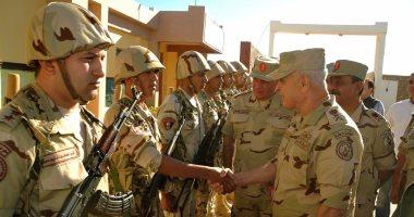 رئيس الأركان يشهد إحدى المراحل الرئيسية لمشروع تدريبى للجيش الثانى