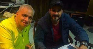 أحمد السبكى ينشر صورة تعاقده مع محمد رجب على فيلم بيكيا اليوم
