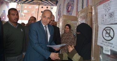 محافظ القليوبية يوزع ثلاجات ضمن مشروع تمكين 5 مليون سيدة -