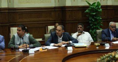 """صور.. غضب بـ""""محلية النواب"""" لغياب محافظ القاهرة.. ورئيس اللجنة يهدد بإنهاء الاجتماع"""