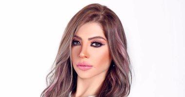 دعاء صلاح تنفى هروبها خارج مصر.. وتواصل تقديم برنامجها الخميس القادم