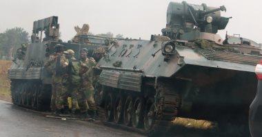 """صور.. الحزب الحاكم بزيمبابوى يصف تدخل الجيش لإنهاء تطهير داخله """" خيانه"""""""