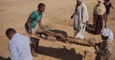 """صور جديدة لعثور البعثة المصرية الروسية على """"مومياء"""" الفيوم"""
