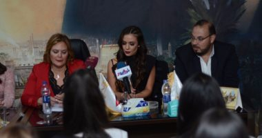 ملكة جمال العالم للسياحة: المرأة المصرية ذكية وودودة.. وفخورة بزيارة مصر