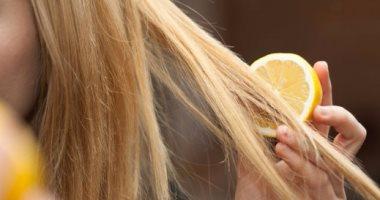 س و ج.. كل ما تريدين معرفته عن إزالة صبغة الشعر طبيعيًا بالبيت