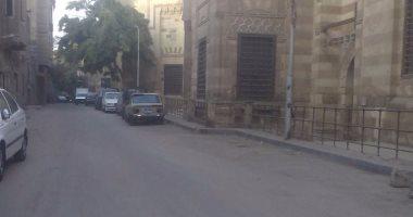 مدير آثار الدرب الأحمر: ننظف المنطقة والأهالى يحاصرونها بالقمامة
