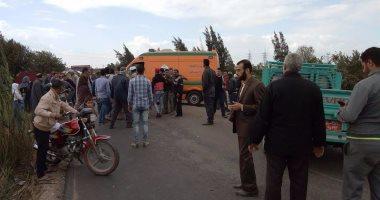 اصابة 12 مواطنا فى حادث اصطدام سيارتين بطريق البياضية