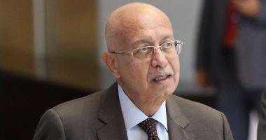 وصول رئيس الوزراء شريف إسماعيل إلى القاهرة بعد رحلة علاجية فى ألمانيا