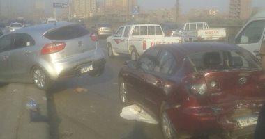 إصابة شخصين فى حادث تصادم سيارتين أعلى الطريق فى الصف