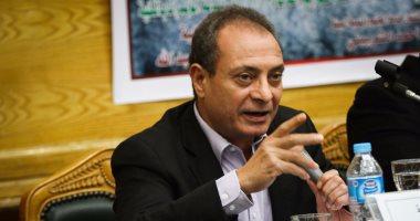 حسين حمودة يعقب على خطايا تويتر: مواقع التواصل لا تلتزم بالقوانين ويجب مواجهتها