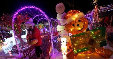 """أضواء الكريسماس تزين منزل"""" سانتا كلوز"""" بفرنسا"""