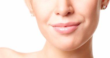 5 مواد طبيعية للتخلص من اسمرار منطقة حول الفم.. تعرفى عليها