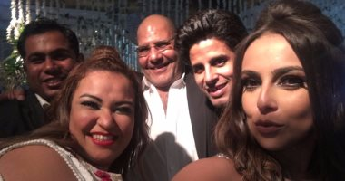 "صور.. سيلفى هانى كشكوش وأبطال مسرح مصر فى زفاف ""توتا"""