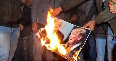 صور.. حرق صور ترامب فى مظاهرات حاشدة بمدينة قلقيلية الفلسطينية