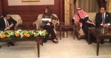 وزيرة الهجرة تصل الكويت للاطمئنان على حالة المواطن المصرى المعتدى عليه