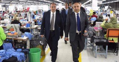 """محافظ الإسكندرية يتفقد مصانع """"أليكس"""" للملابس الجاهزة بالمنطقة الحرة"""