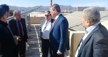 نائب وزير الكهرباء يتفقد محطة الطاقة الشمسية بشرم الشيخ